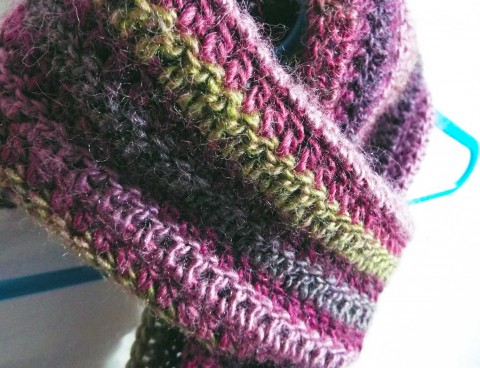 Riot-crochet-scarf-close-up